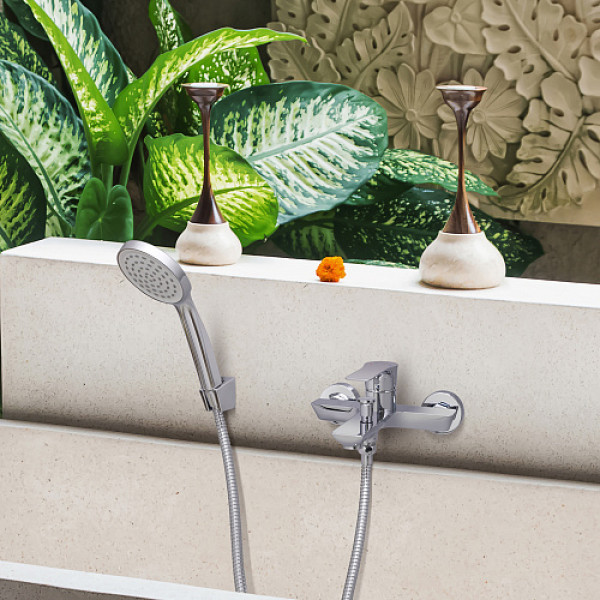 Смес. DEVIDA серия ZUTTO ванна, с литым корпусом-изливом и кнопочным дивертором